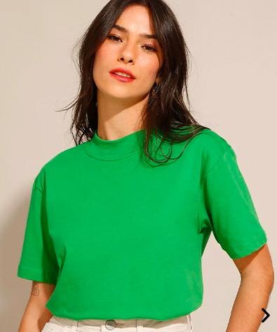 camiseta de algodão básica manga curta gola alta verde