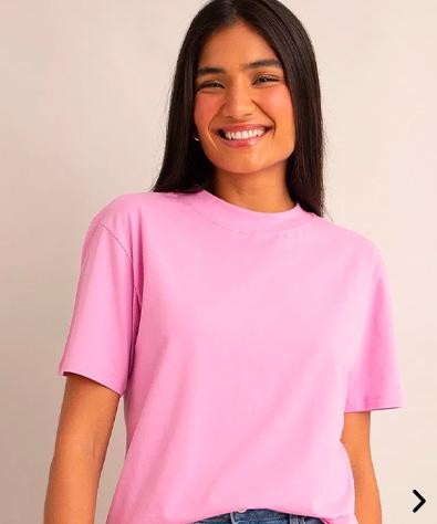 camiseta de algodão básica manga curta gola alta rosa