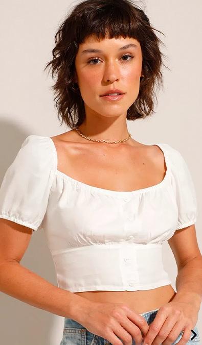 blusa cropped com botões manga bufante decote redondo off white